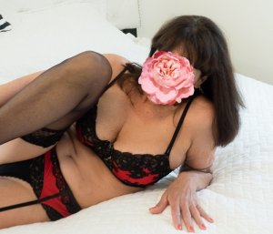 Claire-elisabeth erotic massage in Cudahy