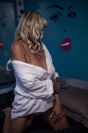 Vlasta erotic massage in New Baltimore